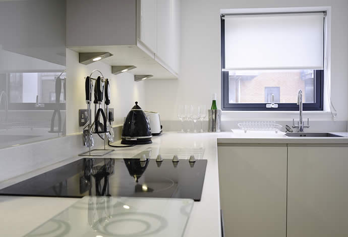 one bed serviced apartments kitchen
